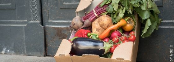 box of fresh food; copyright: SIRPLUS
