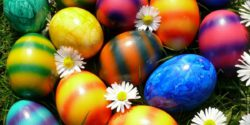 Image: coloured eggs ; copyright: Kurt F. Domnik  / pixelio.de