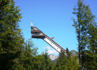 Integrated security concept for ski jump as well as mountain