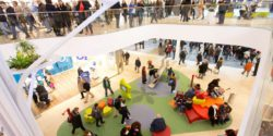 Image: Kids area in shopping mall; Copyright: mfi