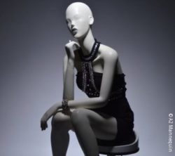 Image: Sitting mannequin; Copyright: A2 Mannequin