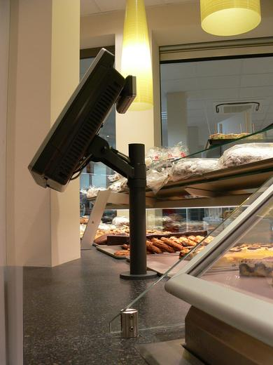 NCR RealPOS 25 in use at the bakery