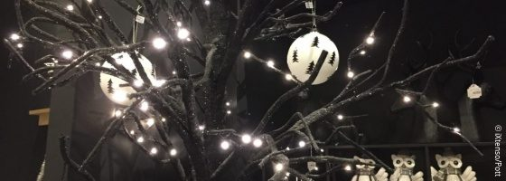 Christmas decoration; copyright: iXtenso/Pott